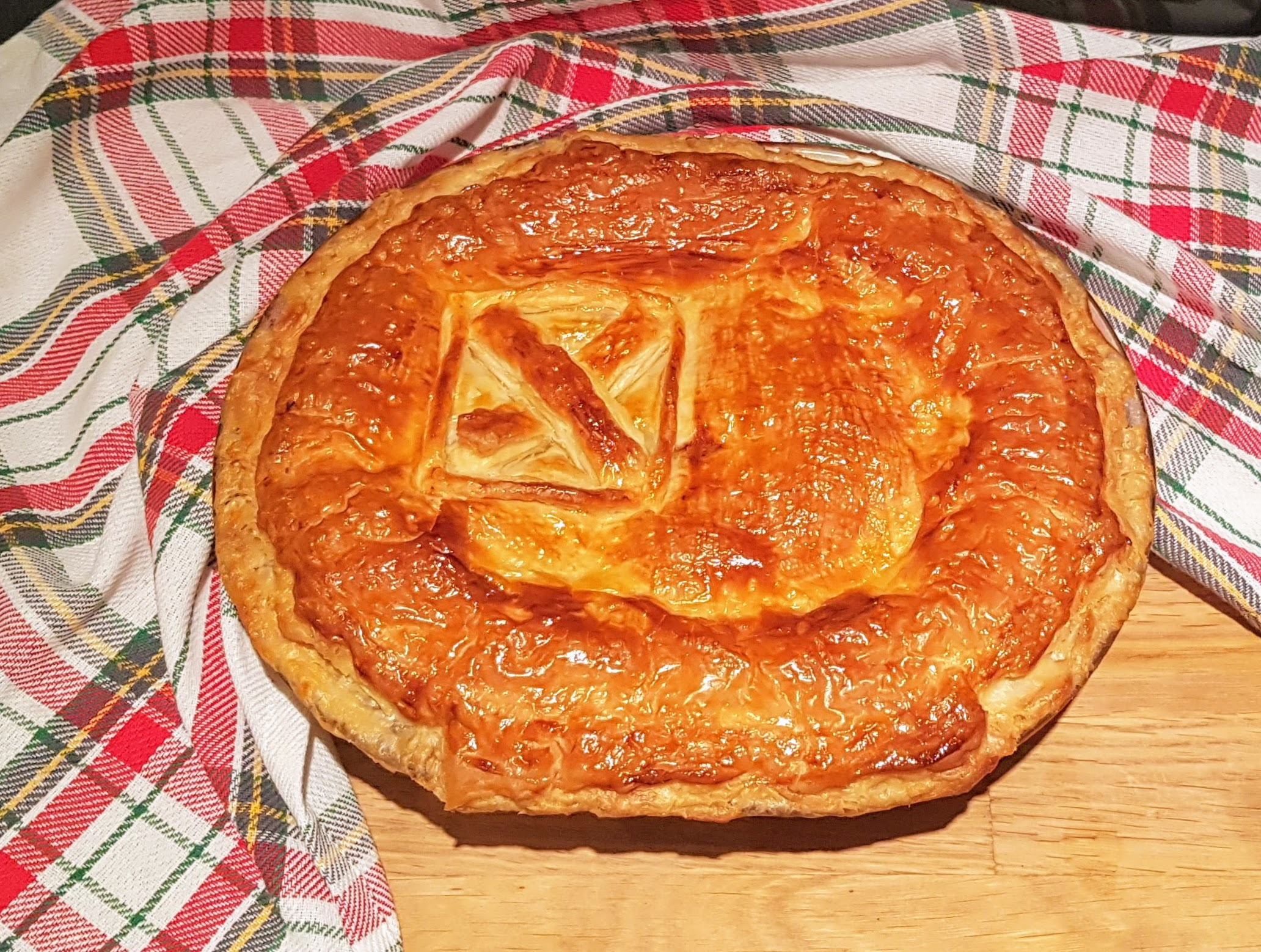 SCOTTISH NEW YEARS DAY STEAK PIE | THE WEE CALEDONIAN COOK